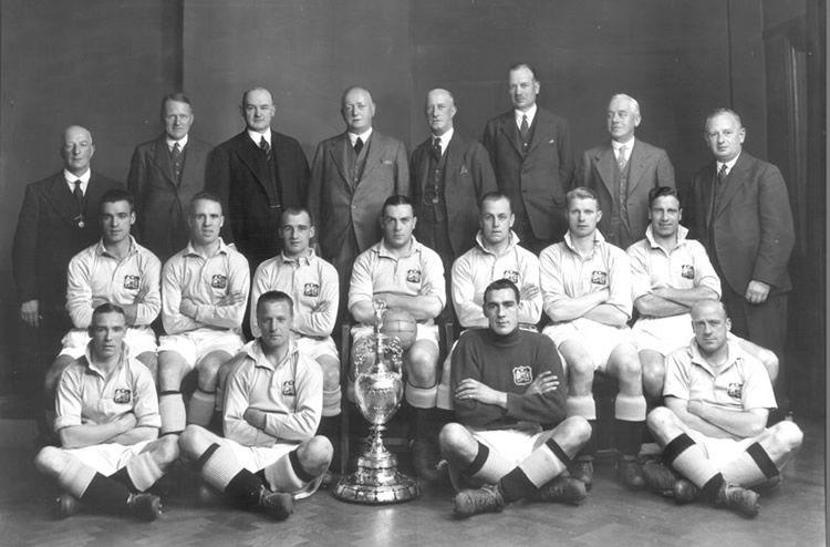 Манчестер Сити - чемпион Англии 1937-го года